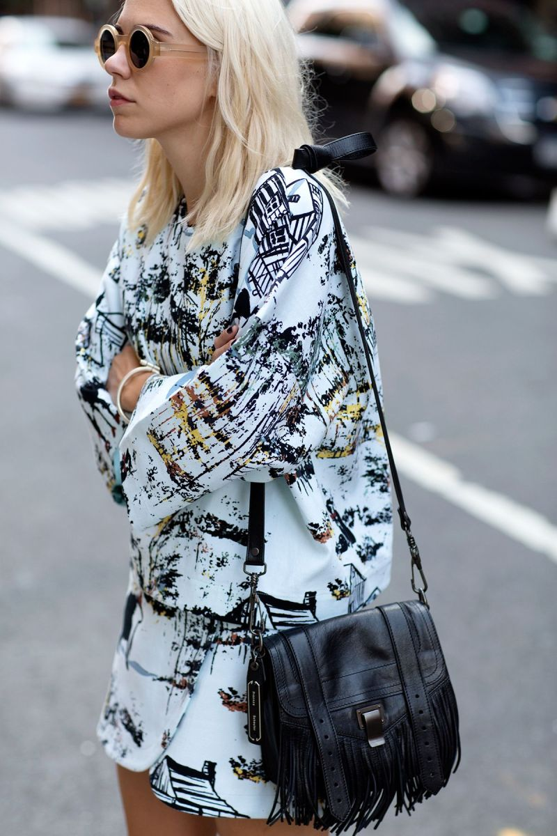 Abstract print street style