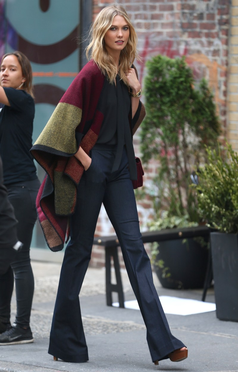 perfect thanksgiving outfit karlie kloss cute and comfortable