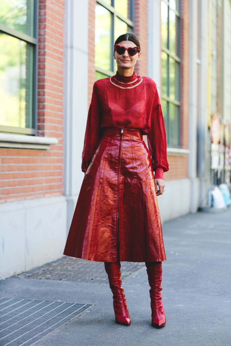 street style blogger wearing all red outfit