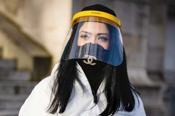 Face mask street style