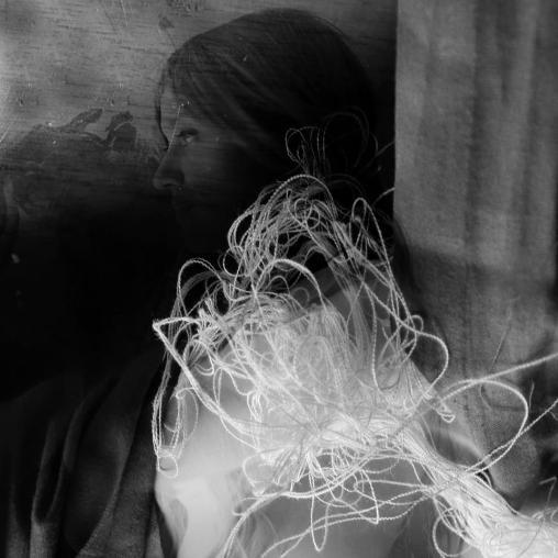 the-thread-by-linda-de-luca-1