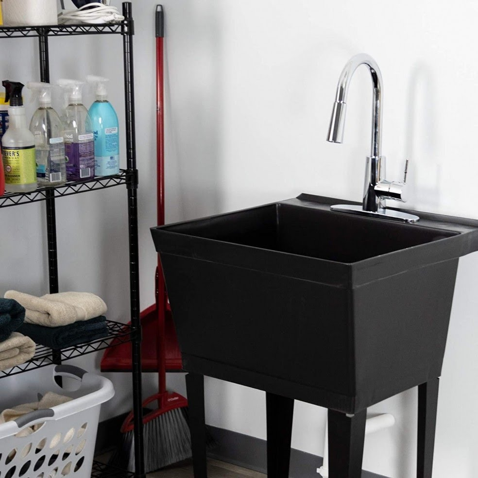 3 expert tips to choose a utility sink