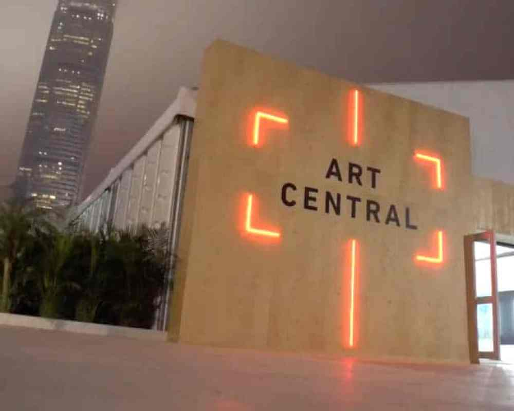 Art Central – Over 100 Galleries