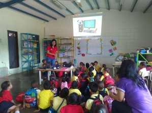 Tecnología Educativa visitó a los niños del C.E.I. 23 de Enero