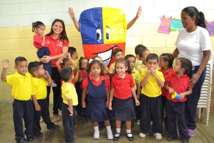 Tecnología Educativa llega a la escuela Punto Fijo de Carirubana