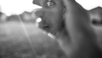 Brano: Uomo nello specchio
