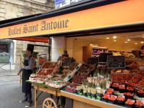 Corner fruit and vegetable market