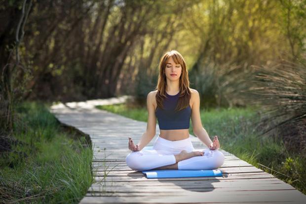 saiba-como-amenizar-as-ondas-de-calor-causadas-pela-menopausa-1