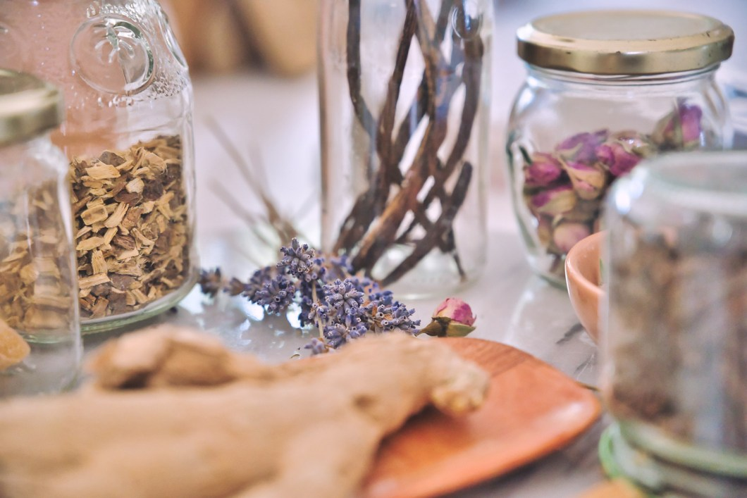 Roots and herbs for healing in jars - Janet Lee