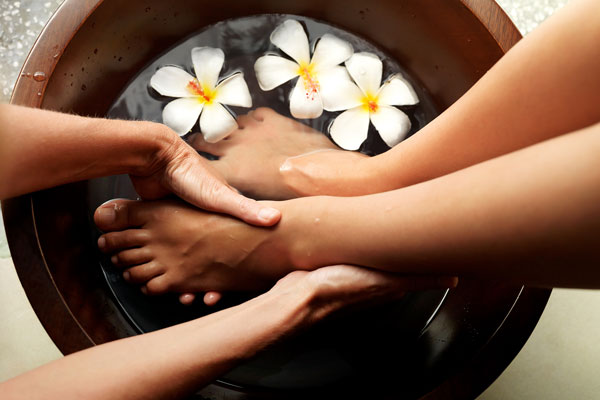 health risks at nail salons - follicular infections from pedicure footbaths