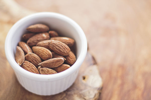 top 10 foods with health benefits - almonds