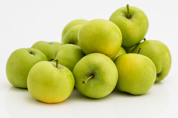 top 10 foods with health benefits - apples