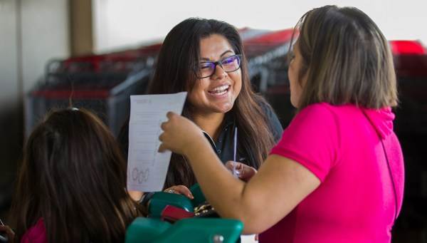 Healthy South Texas educator engages with program participants