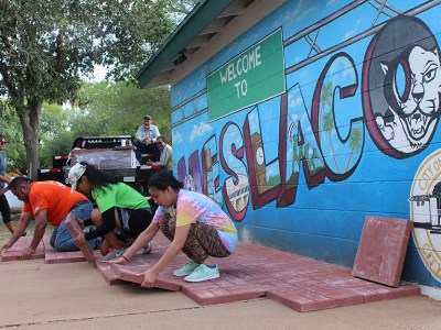 Weslaco High School students improve Gibson Park and win Keep Texas Beautiful Award