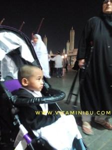 13 Tips Umrah Dengan Anak Kecil Dan Bayi - Stroller