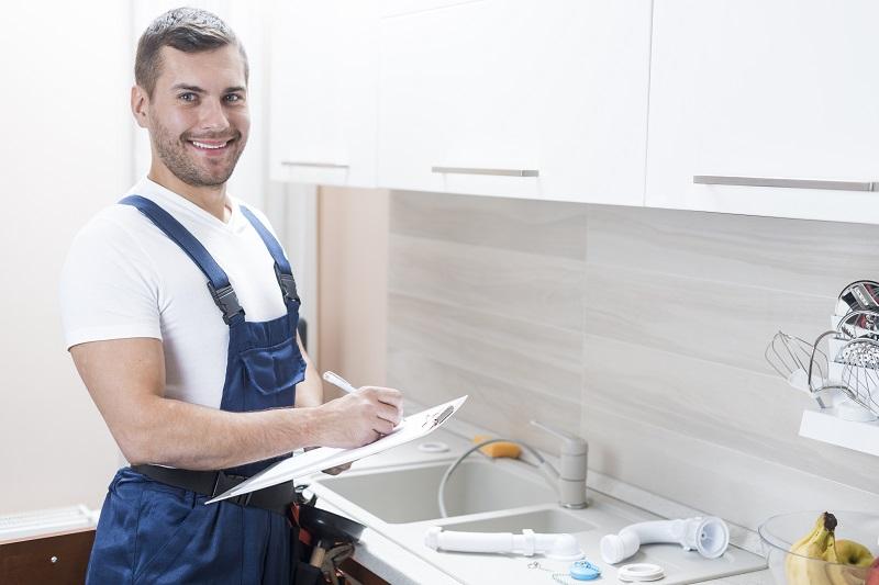 Quel est le rôle d'un plombier