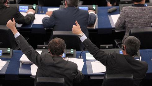 TTIP: parlamento europeo diviso su ISDS, voto rimandato!
