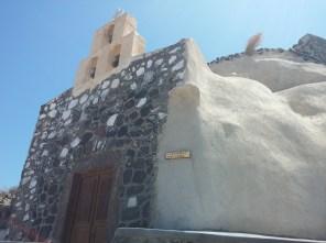 A ridosso della cantina sorge la chiesetta di San Giorgio