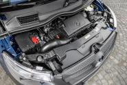 2015-Mercedes-Vito-engine-bay
