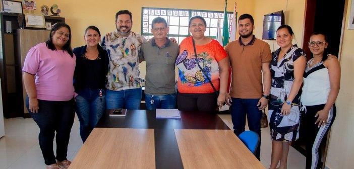 Reunião forma parceria entre autoridades municipais e o conselho tutelar 2020/2024.