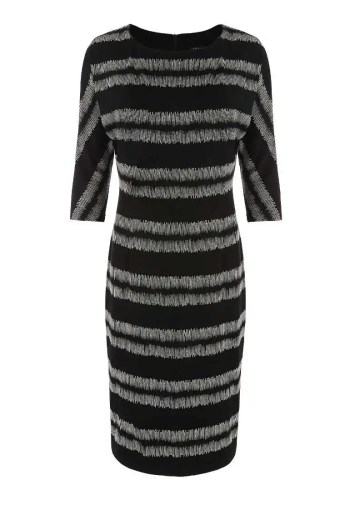 wygodna sukienka z dzianiny z kimonowym rękawem marki Vito Vergelis