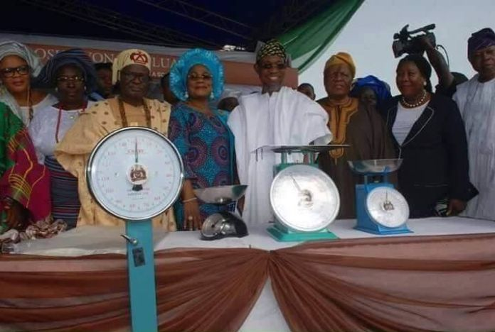 Gov Aregbesola commissions weighing scales