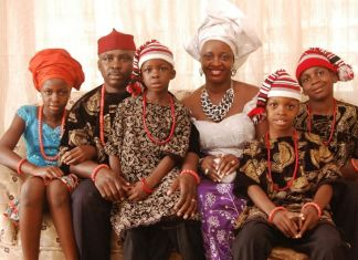 Igbo_family_in_traditional_attire