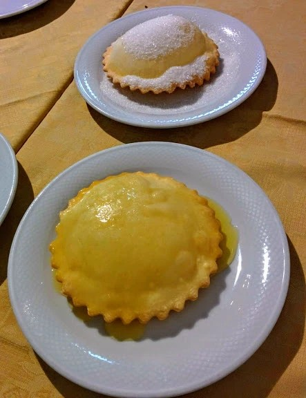 Seadas Sardinian Food