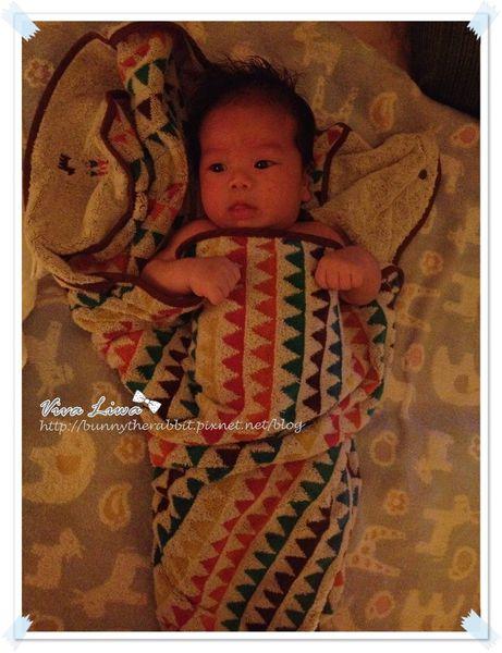 365-37 寶寶洗澡好幫手:Hoppetta-BOBO圍裙式浴巾
