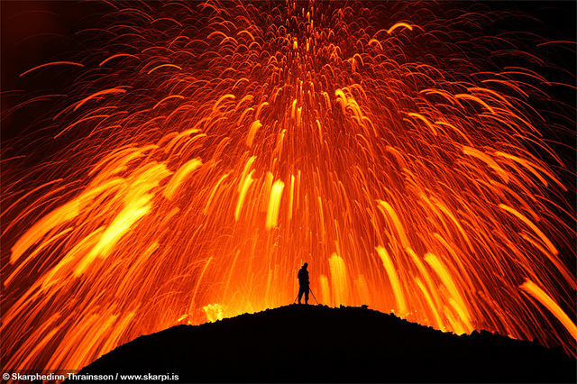 4505369452 8bc94e839e z 20 Beautiful Active Volcano Images