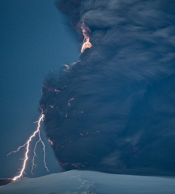 4536876217 acd05b9296 z 20 Beautiful Active Volcano Images