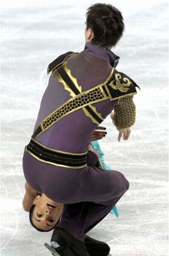 The perfectly timed figure skating photo: