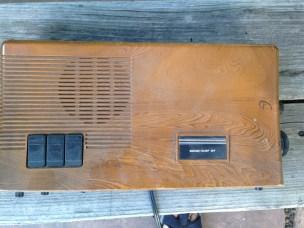 Old clock radio. TRASH.
