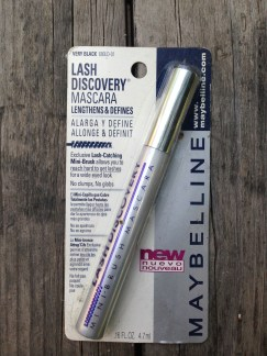 I have tiny little eyelashes that no amount of mascara can help. I thought about using Lastisse for about two seconds but really? Who in their right mind would use something that can change your eye color? Permanently! It doesn't matter that my eyes are already brown, doesn't that raise a red flag? DONATE.