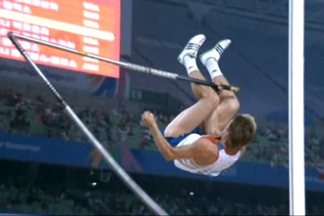 Dmitry-Starodubtsev-Pole-Vault-Snap