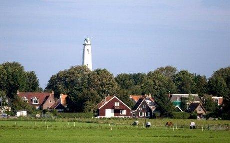 3165_fullimage_wadden schiermonnikoog village lighthouse_560x350