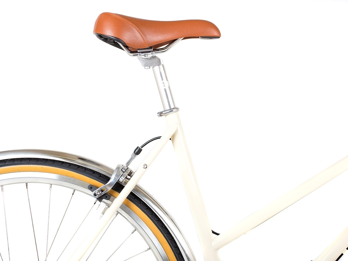 0037597_blb-butterfly-3spd-town-bike-natural-beige