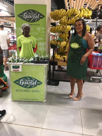 A nutricionista Irene Domingos, junto ao espaço da Fazenda Girassol