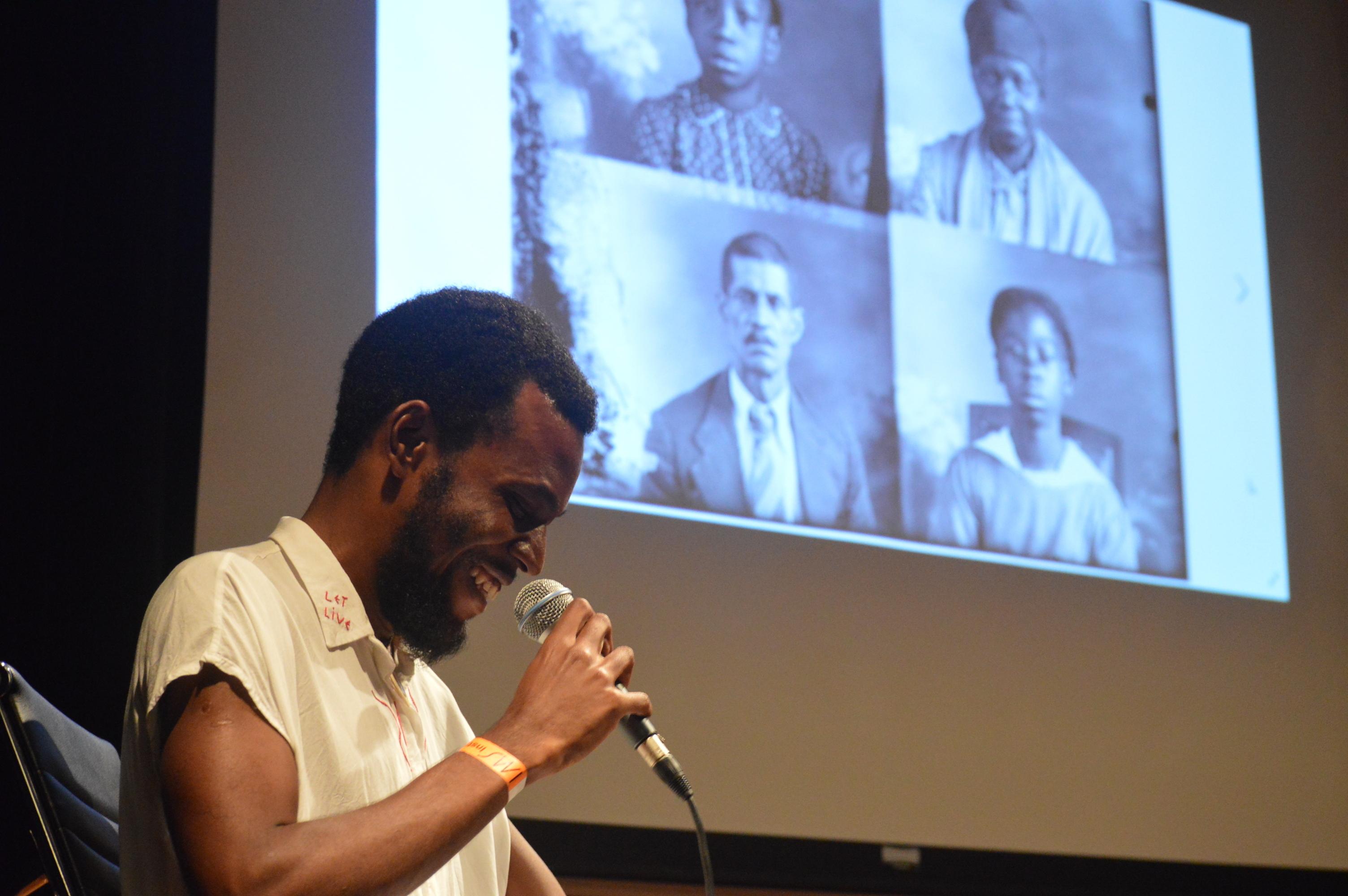 Rafael Braga Lino na mediação do Fórum Africanidades