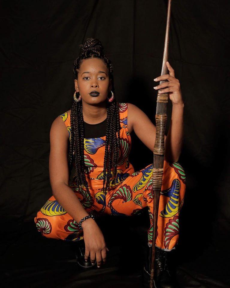 AlmaKriola traz tecidos africanos