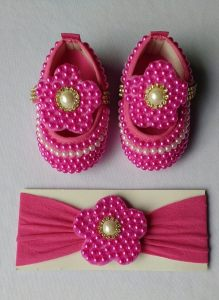 sapatinhos e faixas para bebê