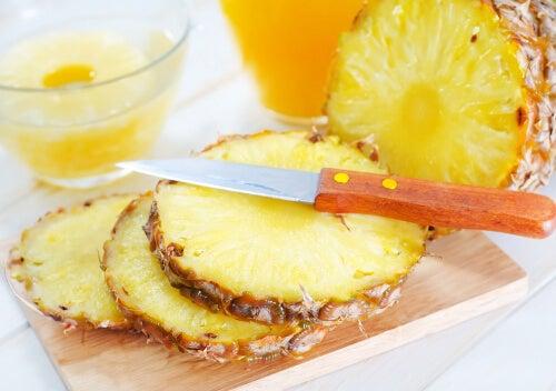 Risultati immagini per ananas fa bene
