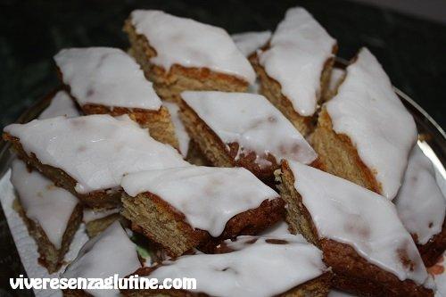 Gluten-free glazed hazelnuts diamond shapes