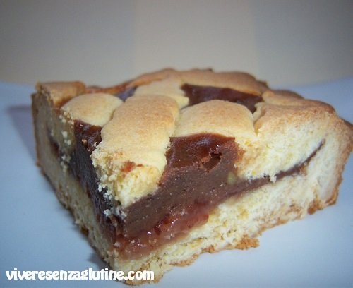 Gluten-free tart with chocolate custard and jam