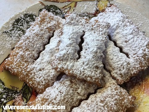 Gluten-free chiacchiere with double cream