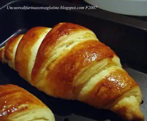 Croissant sfogliati senza uova