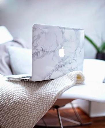 http://www.trendenciaslifestyle.com/decoracion/diy-customiza-tu-portatil-con-este-fabuloso-efecto-marmol