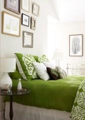 kelly-green-bedding-bhg