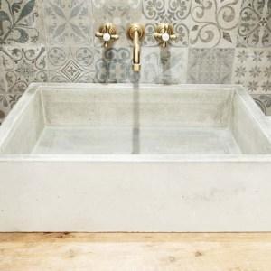 decoracion baño con baldosas idraulicas
