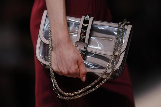 Tendenze moda, gli accessori trasparenti
